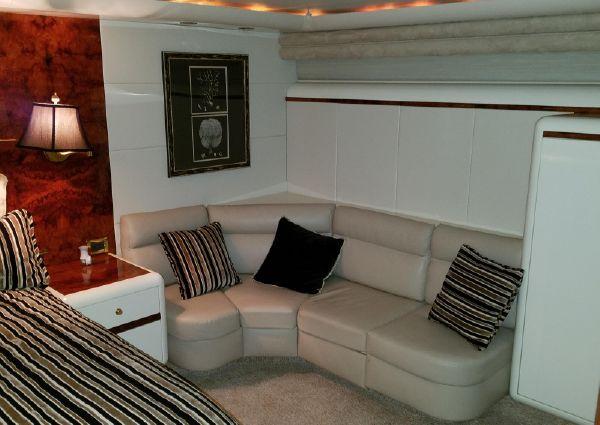 Lazzara Yachts Sky Lounge image