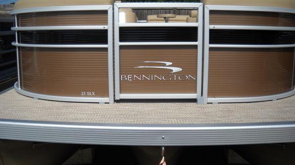 Bennington 23SLX