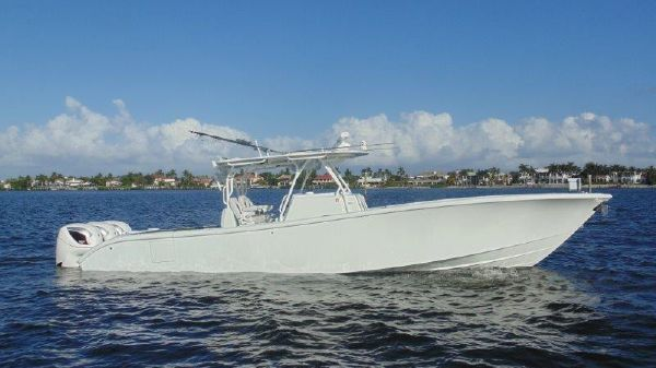 Yellowfin Center Console
