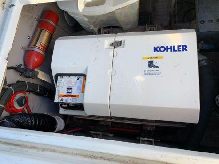 Carver 370 Voyager image