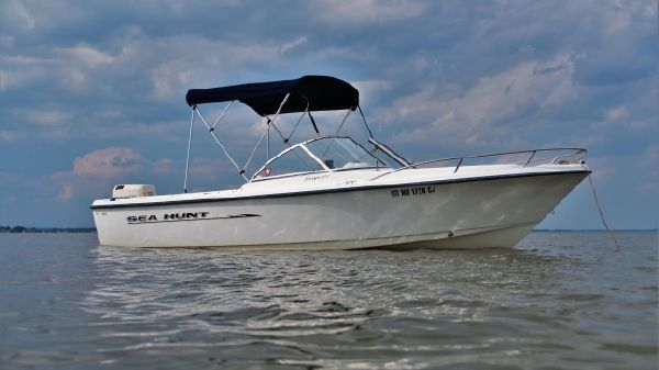 Sea Hunt 200 Escape Dual Console