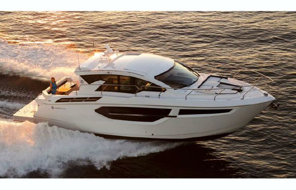 2018 Cruisers Yachts 42 Cantius