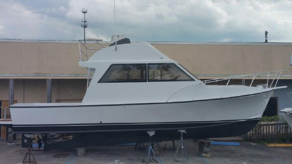 Crusader Boats SPORTFISH FLYBRIDGE