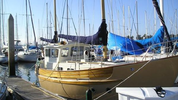 Fisher 30 MS Pilothouse Ketch