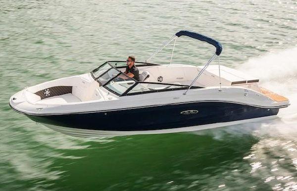 2019 Sea Ray SPX 230