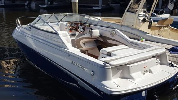 Glastron GS 209 Cuddy Cabin Cruiser Glastron 209 Cuddy Cabin