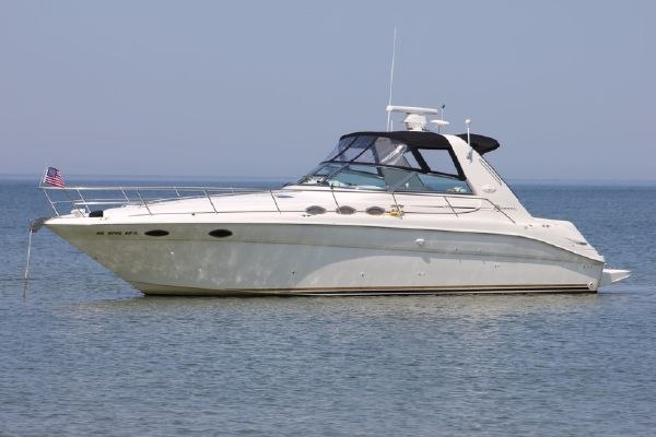 Sea Ray 370 Sundancer - main image