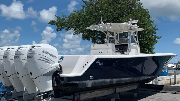 SeaVee 390 Outboard Open