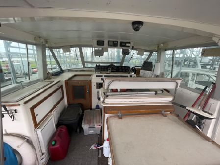 Bertram 46 Flybridge Motor Yacht image