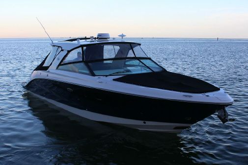 Sea Ray SLX 400 image