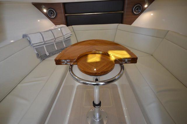 Boston Whaler 325 Conquest image