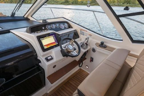 Sea Ray Sundancer 350 Coupe image