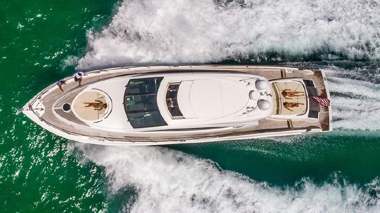 2007 Lazzara Yachts