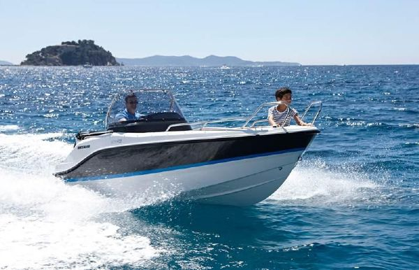 2018 Quicksilver Activ 455 Open