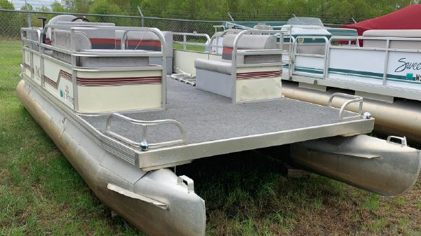 TMC 20 Pontoon