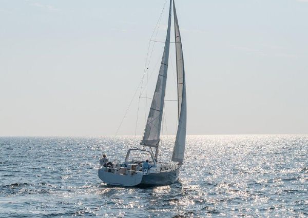 Beneteau America Oceanis 38 image