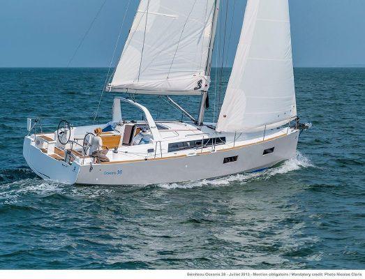 Beneteau America Oceanis 38 - main image