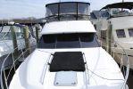 Bayliner 4587 Cockpit MYimage