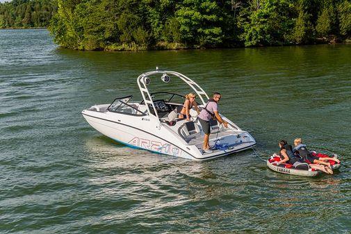 Yamaha Boats AR210 image