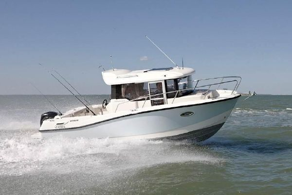 Quicksilver 755 Pilothouse - main image