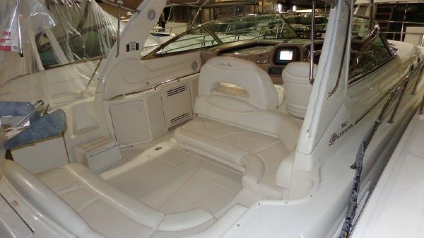 Sea Ray 380 Sundancer Exterior 1