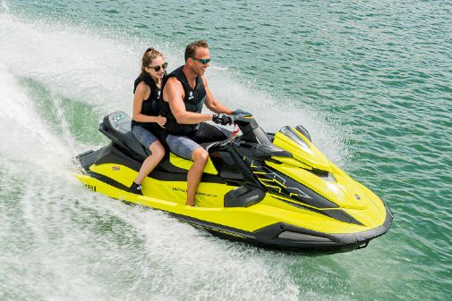 Yamaha WaveRunner VX Cruiser HO image