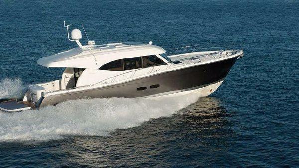 Maritimo Yachts S54 Starboard Running Shot