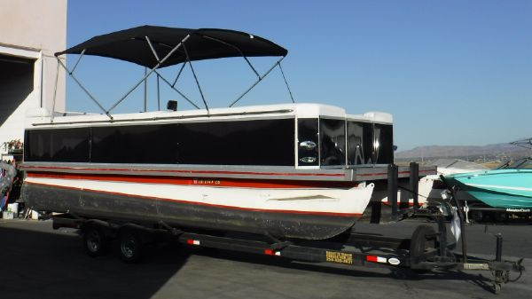Evolution 22 Pontoon
