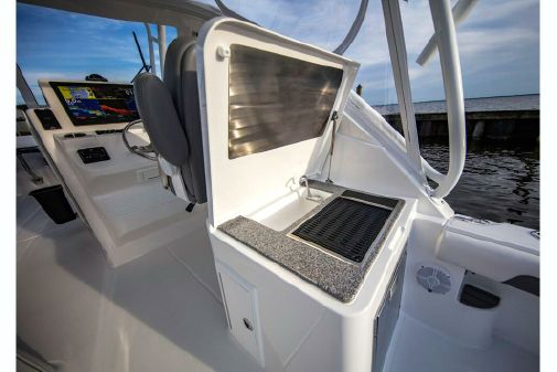 Albemarle 31 Dual Console image