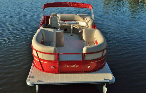 2017 Bentley Pontoons 223 Cruise
