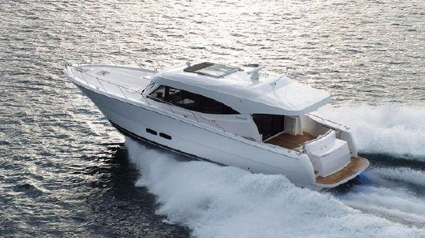 Maritimo Yachts S51 Port Side