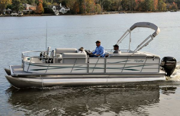 2017 Bentley Pontoons 243 Fish