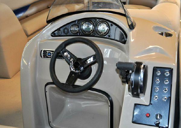 Bentley Pontoons 243 Fish image