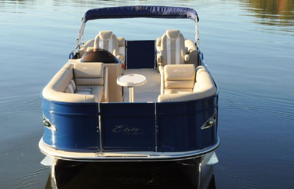 2017 Bentley Pontoons 250 Elite