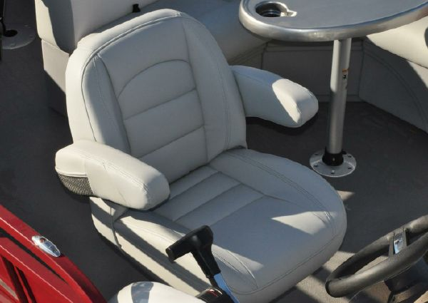 Bentley Pontoons 243 4-Point image