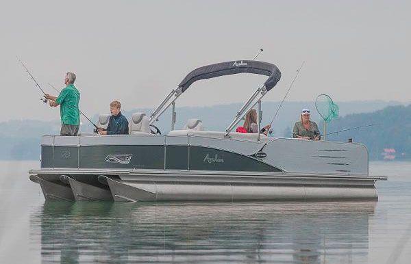 2017 Avalon Catalina Quad Fish - 25'