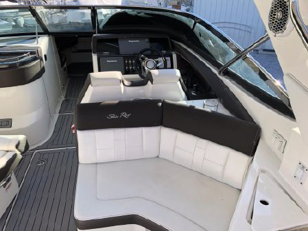 Sea Ray 350 SLX image