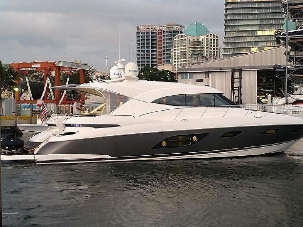 2015 Riviera 6000 Sport Yacht