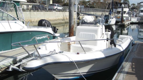 Sea Fox 217 Center Console