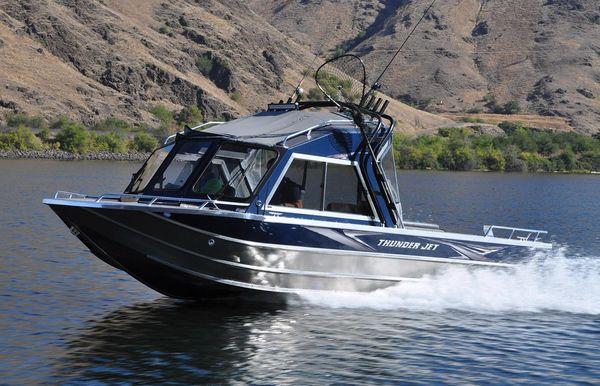 2021 Thunder Jet 22 Yukon Classic