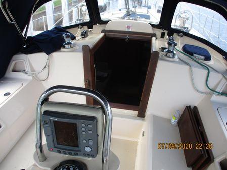 Island Packet 370 image