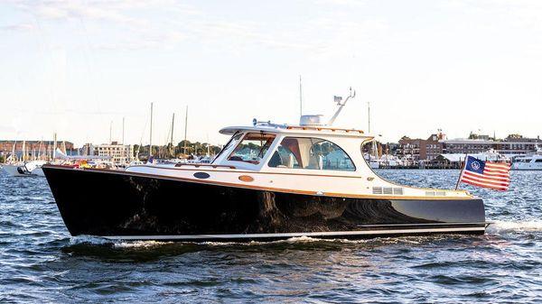 Hinckley Picnic Boat 37 MKIII