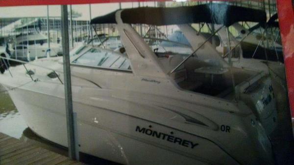 Monterey 282 Cruiser - main image