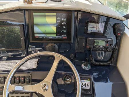 Pursuit SC 365i Sport Coupe image
