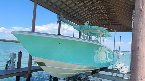 SeaVee 39