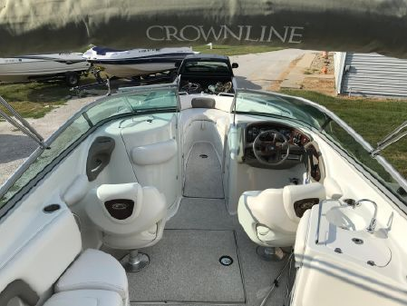 Crownline 270 BR image