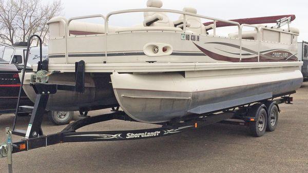 Crestliner Batata Bay 2385
