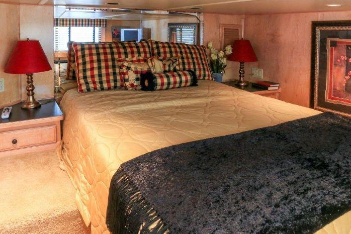 2005 Sumerset 90 Houseboat BoatsalesListing Purchase