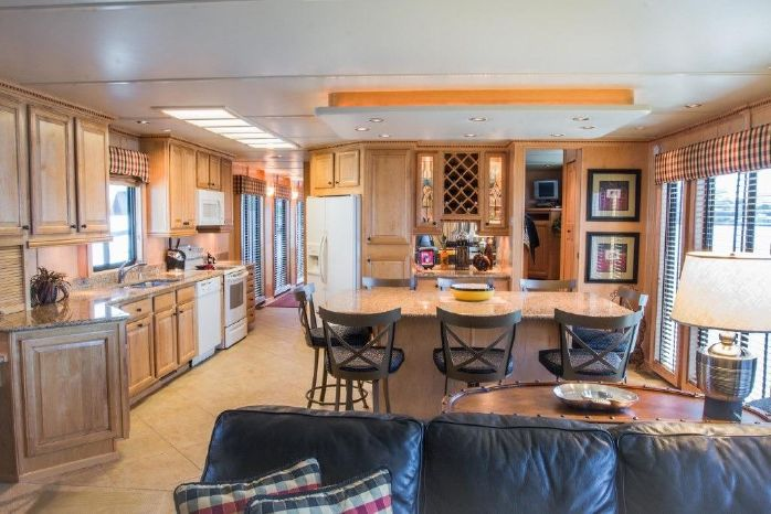 2005 Sumerset 90 Houseboat Brokerage Rhode Island