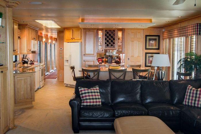 2005 Sumerset 90 Houseboat For Sale Rhode Island